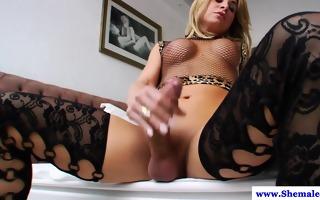 hot lady-man camille andrade masturbates