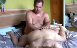 hubby fingers wifes love tunnel and toying her