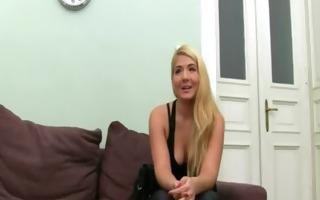 big pantoons blondie finger herself on sofa
