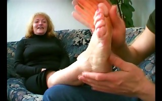 bulky granny t live without cum leaking from her