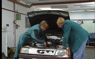 mechanics fuck customers wife in the boss office.