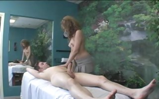 a massage that turns into a oral-sex and fuck