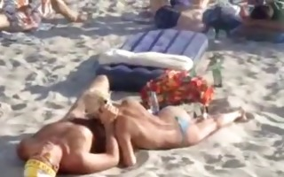 extremely public bj on the beach