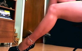 hawt femdom using her shapely hose legs and
