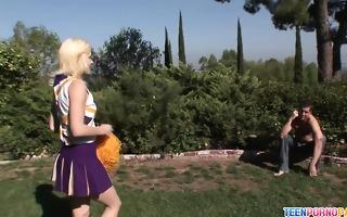 beautiful blonde cheerleader friend ann likes