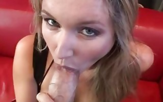 bootylicious golden-haired floozy in hose sucks