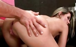 bootylicious blonde pornstar acquires her anal