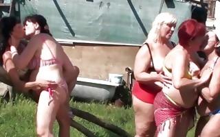 five aged lesbian cunts fuck e...