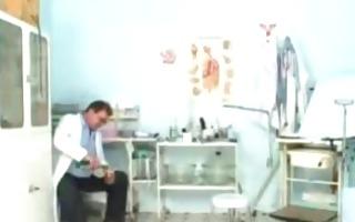 sam gyno pussy proper scrutiny by mature doctor