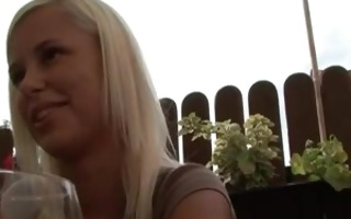 blonde teen t live without doing it in the park