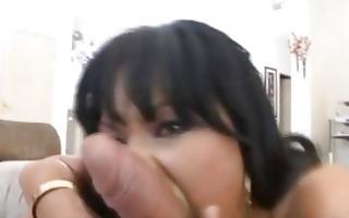 penis loving thai beauty in bikini does blowjob