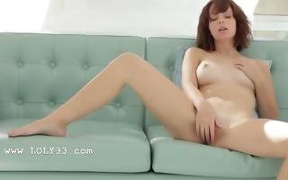 glass sex tool in bald pink cum-hole
