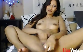 d like to fuck double permeates herself on cam
